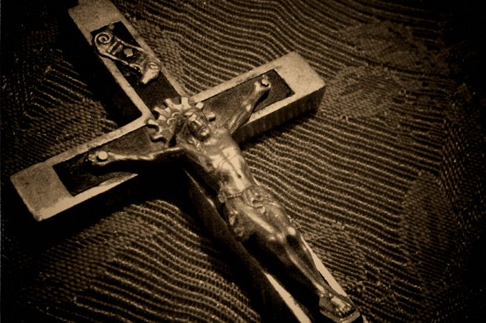 Crucifix_Credit_Bluekdesign_via_Flickr_CC_BY_NC_SA_20_CNA
