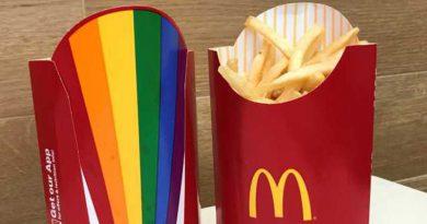 """Nechutné: McDonald's zavádza do predaja hranolky """"gay pride"""", kresťania vyzývajú na bojkot"""